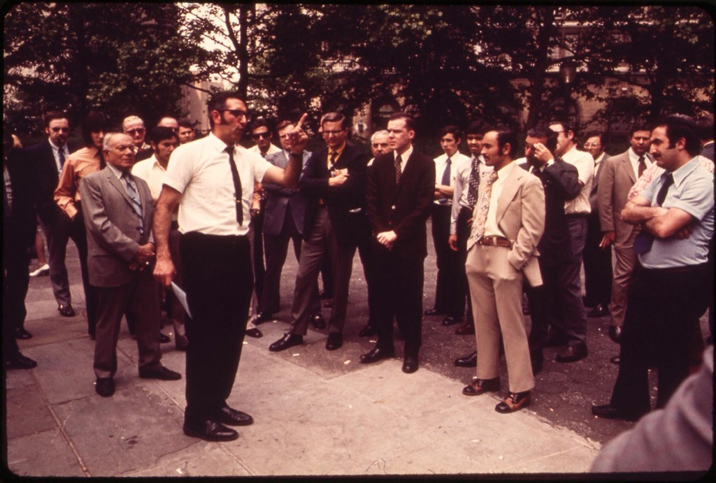 Preacher Draws lunchtime crowd in Lower Manhattan, May 1973
