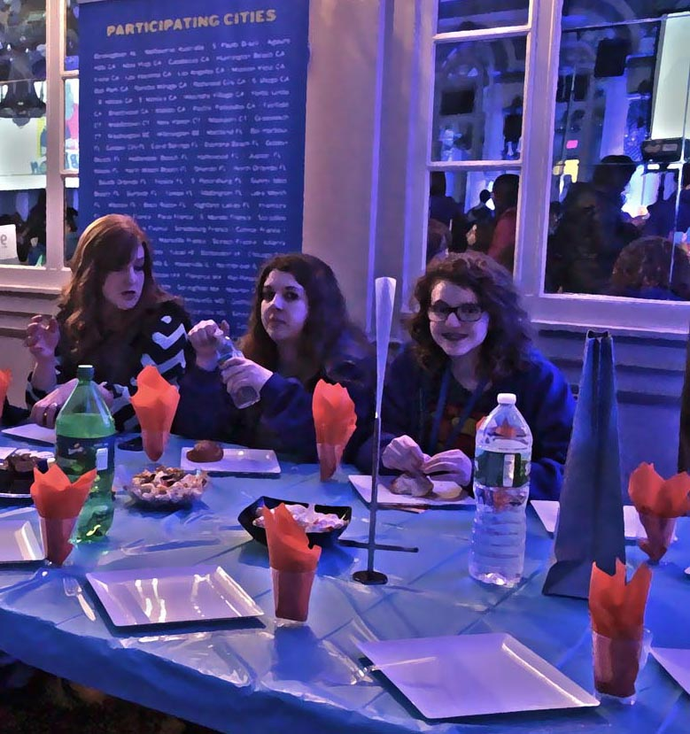 Megan, far right, at the Shabbaton banquet. Photo illustration: Pauline Dolle/A Journey through NYC religions
