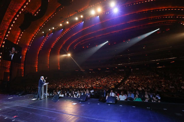 Luis Palau preaching at Radio City Music Hall earlier this week. Photo by NY CityFest & CityServe